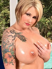 Selexia Rae - Confessions Of A Hot Lady
