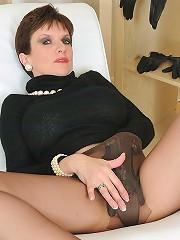 Pantyhosed mature