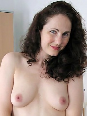 Kate Klimax rides some dick before getting her lips splashed with cock sau