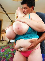 Scarlett Rouge is a hot blonde bbw babe with a gorgeous chubby belly. She loves it to be played with and massaged. So do her big round natural boobies