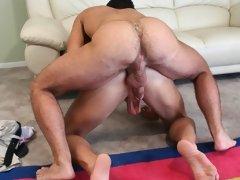 Free gay clips of sexy gay boys barebacking