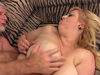 Perfect Natural Milkers Amazon Darjeeling Spreads Her Chubby Ass For Cock Porn Videos