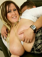 Leah Jayne is a fine plump slag that hails from the UK. Shes got awesome double H boobs that are bigger than her head.