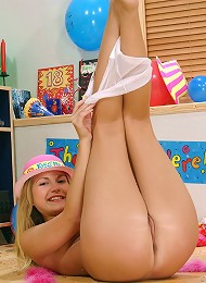 Party Girl Jana Wants To Play With You Teen Porn Pix