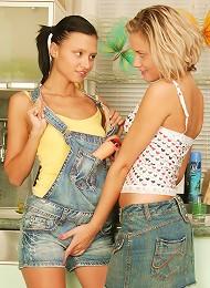Hot Lesbians Get Into Each Other Teen Porn Pix